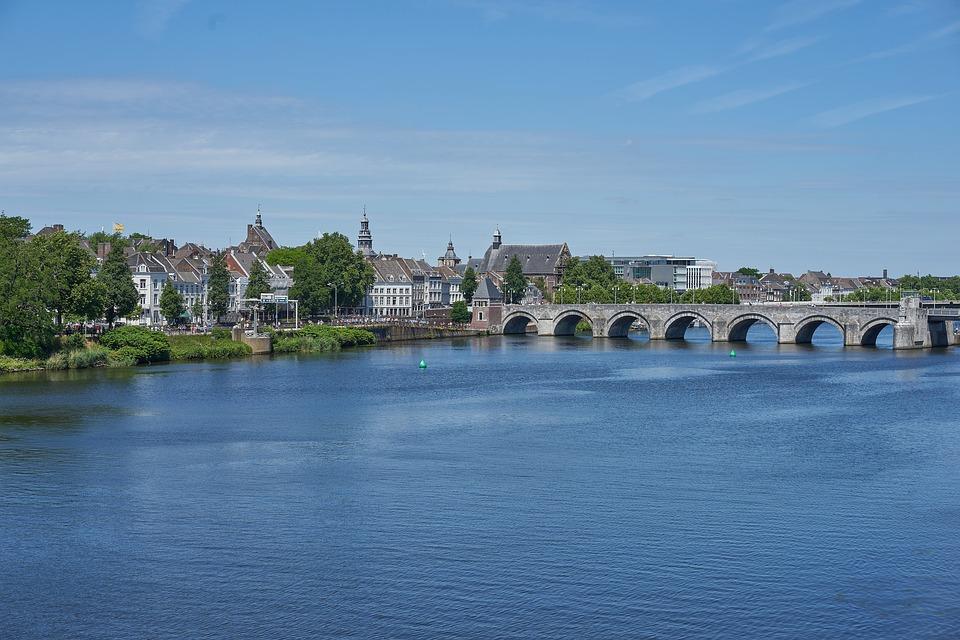 Netherlands Maastricht bridge马斯特里赫特 大桥 运河 购物